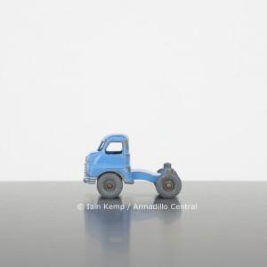 SLE3 Iain Kemp Small Blue Lorry wm