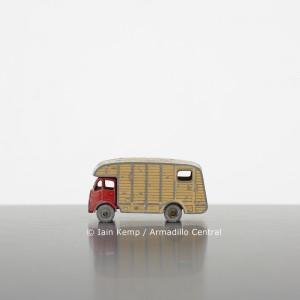 SLE43 Iain Kemp Marshall Horse Box wm
