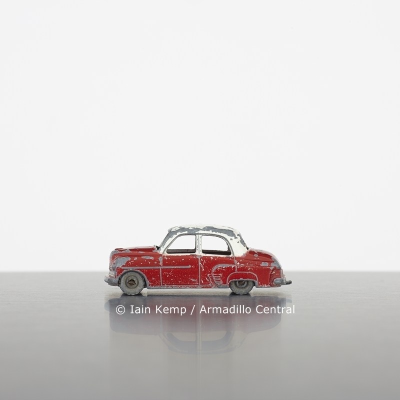 SLE55 Iain Kemp Red and White Car wm