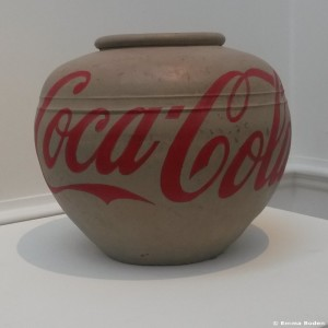 weiwei Coca-Cola Vase E Boden 2015-11-23 _wm