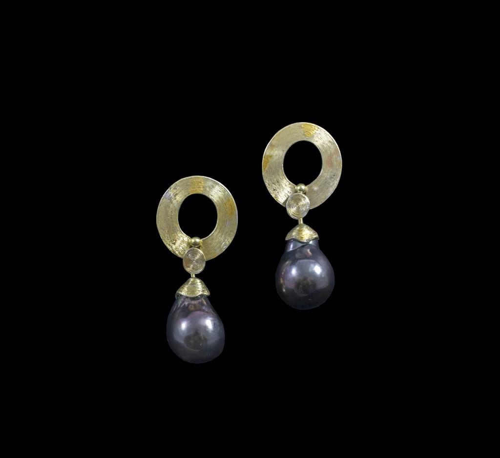 Malcolm Appleby The Scottish Gallery Interview Armadillo Central blog, Hand engraved earrings with black Tahitian pearls, 2016, silver, gold, black Tahitian pearls, H 4 x W 2 cm © The Scottish Gallery