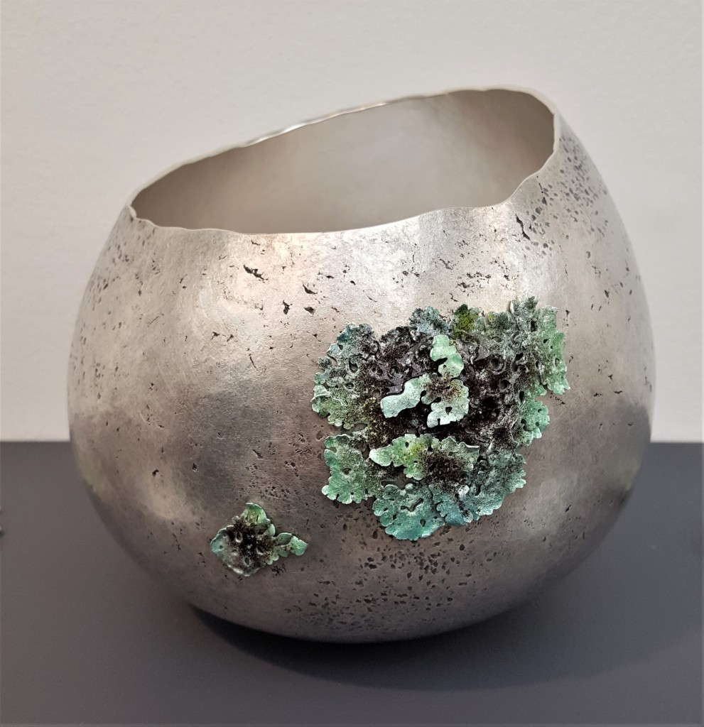 COLLECT 2019 Armadillo Central Blog Abigail Brown, Fogou Vessel, 2019, 958 Britannia Silver, Sterling Silver and vitreous enamel, photo: Emma Boden