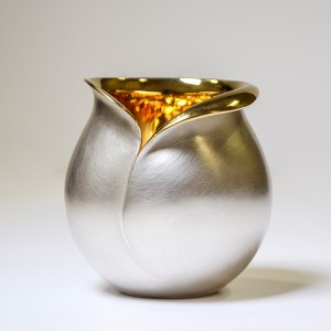 COLLECT 2019 Armadillo Central Review, Jessica Jue, Tulip Beaker, 2018, Britannia Silver and gilt, image courtesy of the artist