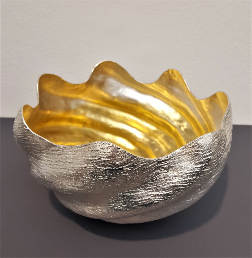 COLLECT 2019, Armadillo Central Blog, Dr Malcolm Appleby MBE, Log Splitter Bowl, 2018, 958 Britannia Silver, part gilt, photo: Emma Boden