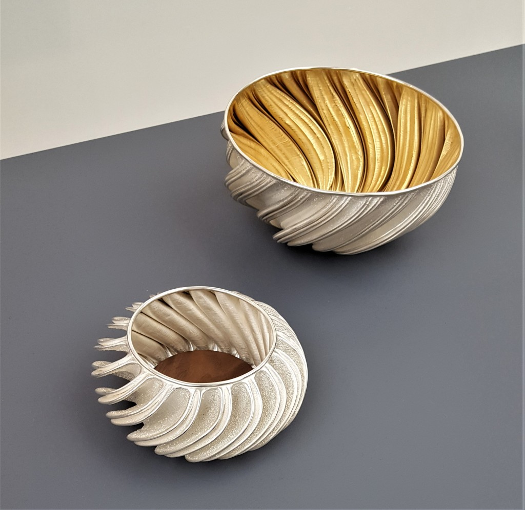COLLECT 2019, Armadillo Central Blog, Ryan McClean, Fractal Wine Coaster with walnut insert, 2018, 999 silver and walnut, and Fractal Bowl, 2018, fine silver and gold plated interior, photo: Emma Boden