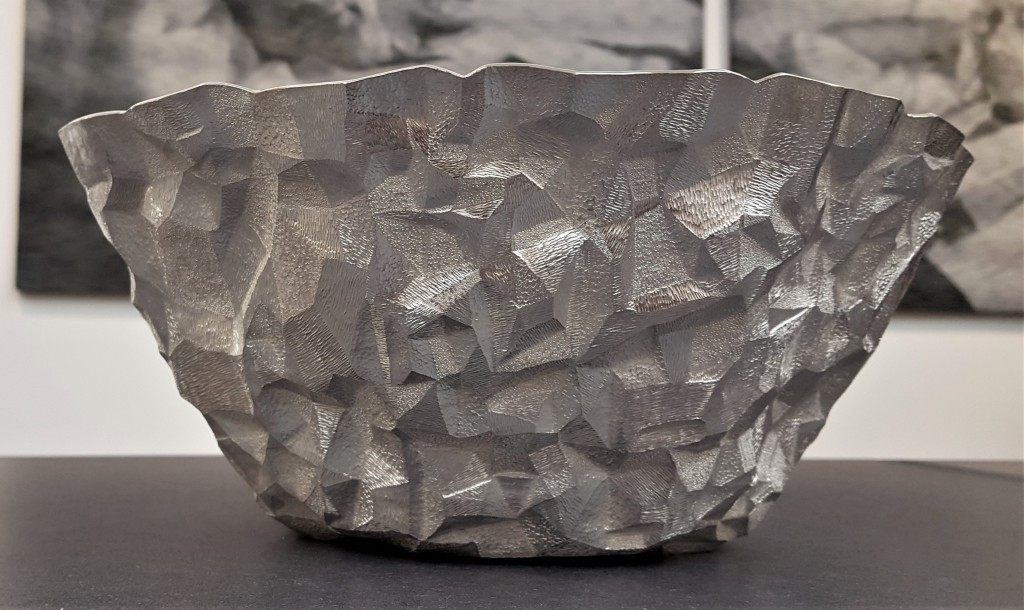 COLLECT 2019 Yusuke Yamamoto, Craggy Mountain Bowl, 2018, hammer raised and chased Britannia Silver 958, photo: Emma Boden Armadillo Central Blog